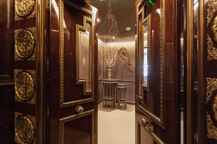 """entrance door Dragon Restaurant istanbul GEO-ID+MahmutAnlar indiaartndesign"""