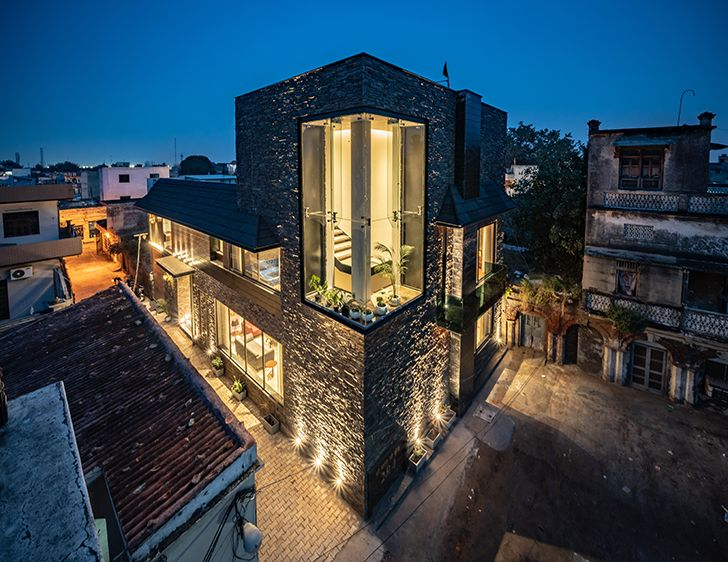 by night home jalandhar spaceracearchitects indiaartndesign