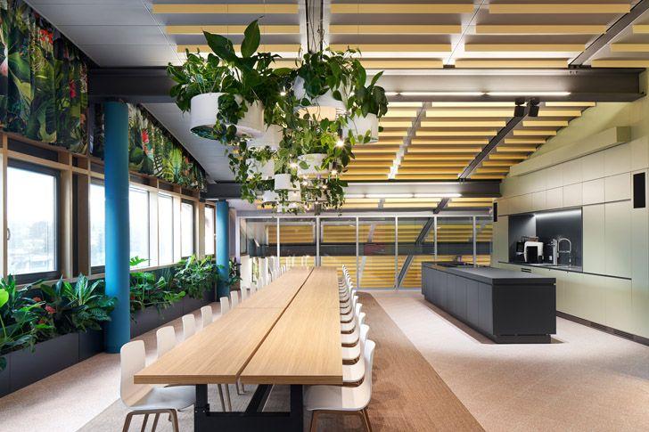 """dining area Roman Klis Design HQ Ippolito Fleitz Group indiaartndesign"""