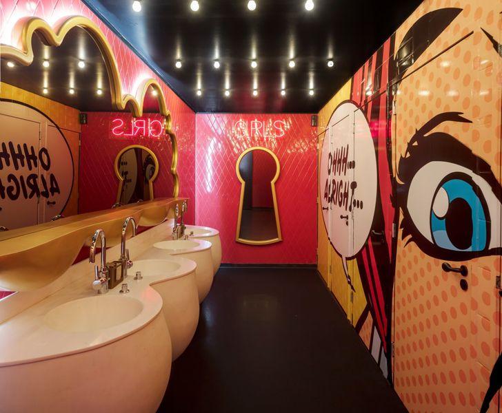 """""""ladies washroom Crazy Pianos music club ElEquipoCreativo indiaartndesign"""""""