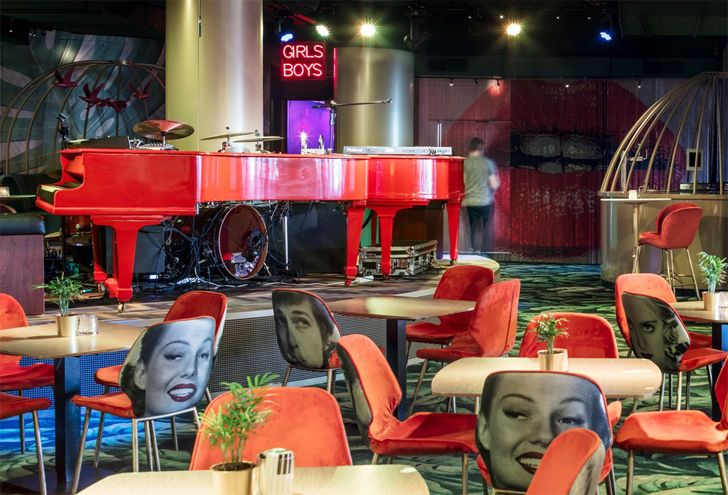 """two red pianos Crazy Pianos music club ElEquipoCreativo indiaartndesign"""
