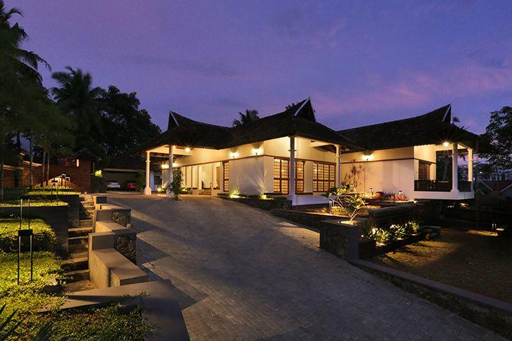 by night kottayam villa Studio 3TwentyOne indiaartndesign