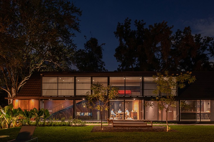 """night view CasaLandJ Alvaro Moragrega Architects indiaartndesign"""