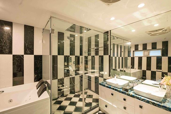 """blackandwhite bathroom HyderabadResidence Inhabit by NeetaKumar indiaartndesign"""